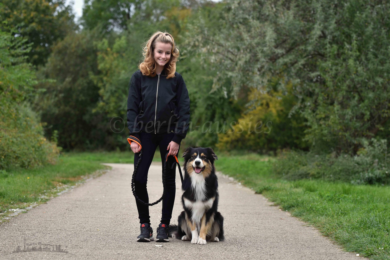 Hund mit Mädchen